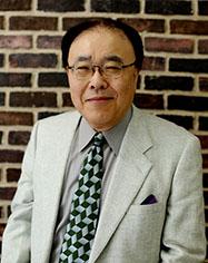 言語教育開発センター長 上田 功